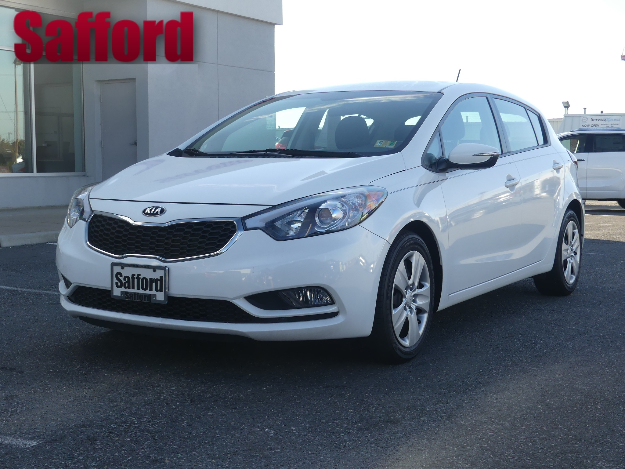 Certified Pre-Owned 2016 Kia Forte 5-Door LX